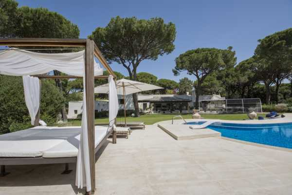 Seafront vacation villa rental with pool in Roccamare Castiglione della Pescaia, Maremma Tuscany. Villa with 7 bedrooms and 7 bathrooms