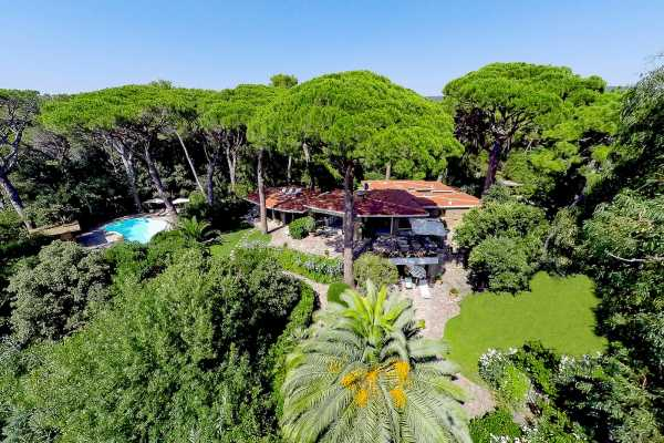 Book now your vacation in Tuscany private villa with pool on the sea for rent in Castiglione della Pescaia, rent this vila in Roccamare, with pool, Tu
